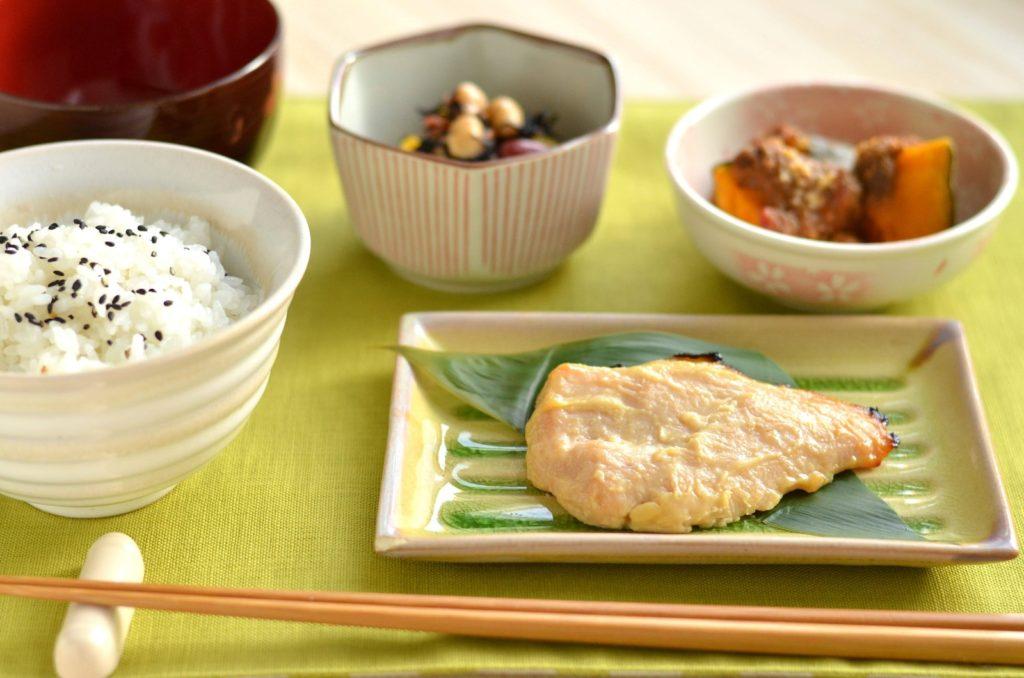 産後実家に帰らないママのための日本食のごはん