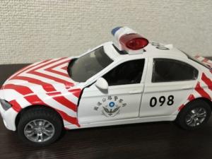 子供用の車のおもちゃ