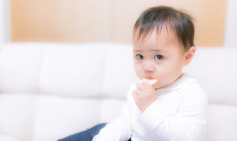 スマホ赤ちゃんイメージ