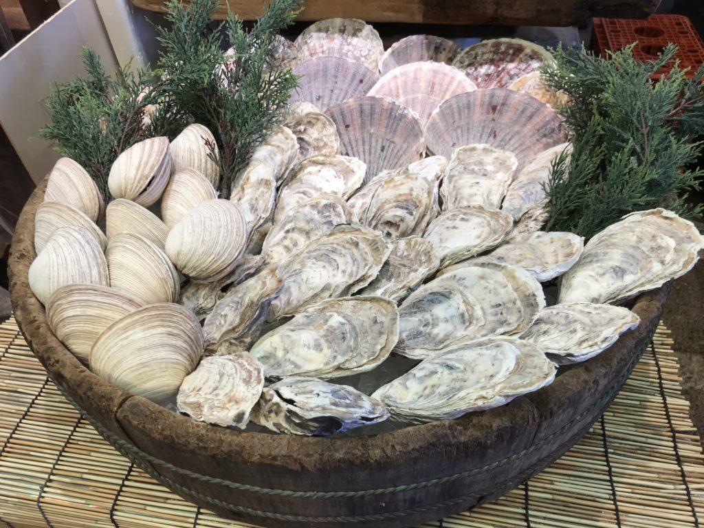 錦市場牡蠣だいやす